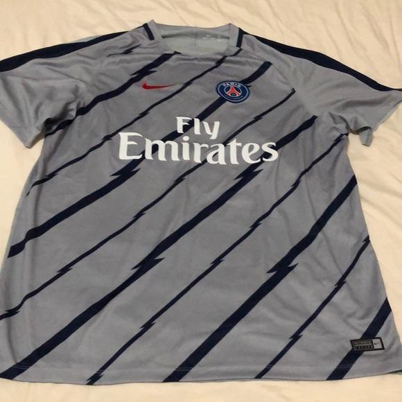 new products aa658 9c520 Paris Saint-Germain Nike practice shirt